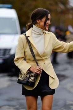 paris street style 2018 - best of paris fashion week street style Top Street Style, Street Style Trends, Cool Street Fashion, Paris Outfits, Fashion Outfits, Womens Fashion, Fashion Trends, Fashion Weeks, Style Fashion