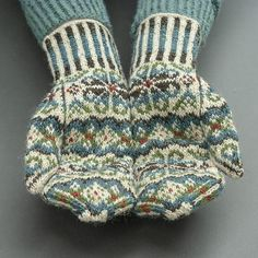Ravelry: Tettegouche Mittens pattern by Virginia Sattler-Reimer Knitted Mittens Pattern, Knit Mittens, Knitted Gloves, Designer Knitting Patterns, Knitting Designs, Knitting Projects, Fair Isle Knitting, Loom Knitting, Knitting Socks