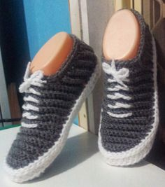 """""""Vans"""" - Crochet Slippers - PDF Pattern -- why am I finding this hilarious? Paula you have so much loverly crochet that I would love the pattern of can I please and tell me how many thanks. Crochet Booties Pattern, Crochet Boots, Crochet Slippers, Crochet Clothes, Knit Crochet, Free Crochet, Crochet Crafts, Crochet Projects, Slippers"""