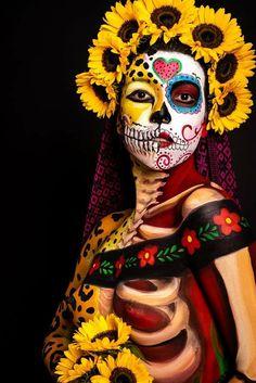 Halloween Makeup Sugar Skull, Sugar Skull Makeup, Day Of The Dead Costume Dress, Fantasy Makeup, Fantasy Art, Mexican Graphic Design, Mexican Halloween, Halloween 2020, Day Of The Dead Artwork
