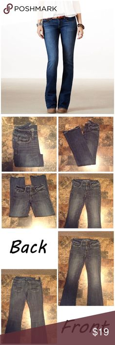"""American Eagle Outfitters Artist Jeans First pic of model wearing this style of Jeans. Last 3 pics are actual item/color. Size 4 Long. 5 pockets. Stretch. Made of 98% cotton & 2% spandex.  Leg Opening """"9. Laying flat """"14. The Rise """"8. Length """"41. Inseam """"31.  This Item is not new, It is used and in good condition. Smoke/Pet Free home. measurements are approximate and are done flat. Please use Offer button. I will NOT negotiate price in the comment section. Thank You😃 American Eagle…"""