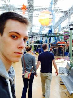 Guy Documents His Life As Third Wheel With A Series of Awkward Selfies  Think I need to start doing this lol