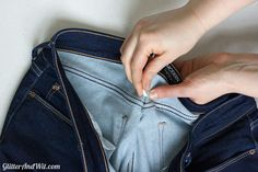 How to alter your jeans waistband, to take in a too big waist and remove the gap. A sewing DIY. Diy Clothes Vintage, Diy Clothes Tops, Diy Clothes Rack, Diy Clothes Refashion, Diy Clothes Videos, Make Skinny Jeans, Jeans Fit, Diy Sewing Projects, Sewing Hacks