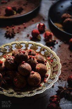 Winterliche Glühwein-Trüffel mit rotem Pfeffer /// Mulled wine truffles with red pepper _ Ina Is(s)t