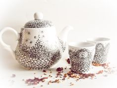 Tea Set - Teapot and teacups - Delicate Dream painted.