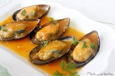 JULIA Y SUS RECETAS: Mejillones a la marinera Salsa Picante, Stuffed Peppers, Vegetables, Food, Sweet And Saltines, Appetizers, Cooking Recipes, Entrees, Hispanic Kitchen