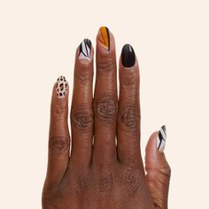 Christmas Nail Art Designs, Christmas Nails, Gel Manicure At Home, Pam Grier, Stick On Nails, Nail Art Supplies, Minimalist Nails, Black Nails, Black Manicure