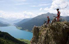 Mountainbiketour mit Blick auf den Reschensee
