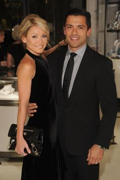 I love Mark and Kelly!! :) My favorite Hollywood couple