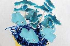 Wannabe Shark Pops – Bee In Our Bonnet...