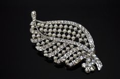This listing is for: one Big leaf Rhinestone Brooch, good for broach bouquet, Wedding Dress, Bridal Jewelry, Cake Decor, Comb, Necklace pendant,