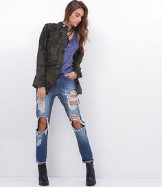 Jaqueta feminina  Com bolsos  Camuflada  Marca: Blue Steel  Tecido: sarja  Modelo veste tamanho: P       Medidas da modelo:     Altura: 1,73  Busto: 89  Cintura: 60  Quadril: 90       COLEÇÃO INVERNO 2017     Veja outras opções de    jaquetas femininas.
