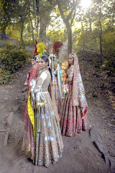 Pakistani Mehndi Dress, Pakistani Bridal Dresses, Pakistani Dress Design, Indian Dresses, Indian Clothes, Indian Anarkali, Pakistani Designer Suits, Designer Bridal Lehenga, Indian Designer Wear