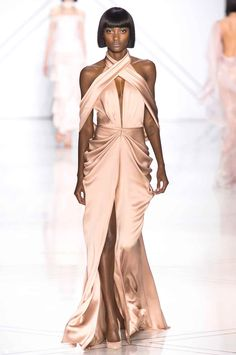 """velvetrunway: """" Ralph & Russo Couture S.S 2017 Posted by x Please consider supporting notordinaryfashion's (admin) gofundme x """" Couture Fashion, Runway Fashion, High Fashion, Fashion Show, Fashion Design, Elegant Dresses, Pretty Dresses, Silk Dress, Dress Up"""
