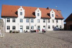 #Burg #Wesenberg Foto: Mecklenburgische Kleinseenplatte Touristik GmbH #meckpomm #mecklenburg #vorpommern