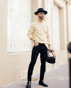 Arriving at the men's show during Paris Fashion Week Stylish Mens Outfits, Casual Outfits, Men Casual, Paris Outfits, Outfits With Hats, Men Looks, Business Dress, Moda Formal, Best Wear