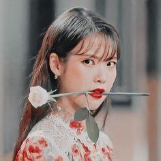 Iu Short Hair, Iu Hair, Korean Actresses, Korean Actors, Queen Pictures, Popular People, Save From Instagram, Fandom, Wattpad