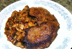 Sült marhaszelet vörösboros gombaraguval Meat Recipes, Cooking Recipes, Hungarian Recipes, Hungarian Food, Bacon, Pork, Chicken, Foods, Drinks