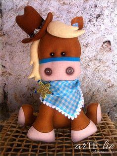 Cavalinho Xerife Silver! <3 #feltro #felt #horse # xerife #fazenda #sheriff