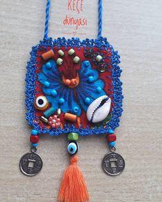 Sadece bir adet hazırlıyorum 😊 #otantikgiyim #otantikkolye #bohem #handmade #izmir #karşıyaka sipariş için dm lütfen 😊😊 Mixed Media Jewelry, Textiles, Macrame Jewelry, Handmade Jewelry, Unique Jewelry, Lace Knitting, Crochet Accessories, Baby Patterns, Hand Embroidery