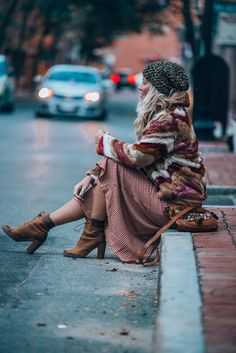 Super Ideas for style bohemian winter hippie Winter Hippie, Winter Stil, Bohemian Winter Style, Hippie Mode, Bohemian Mode, Hippie Chic, Bohemian Chic Style, Hippie Style Hair, Fall Fashion Trends