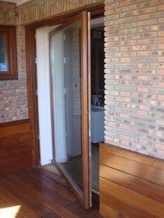 Fabricación y diseño de ventanas de madera sin mantenimiento. Fabricamos ventanas de madera maciza o laminada en Bilbao Vizcaya.