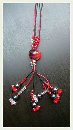 Hanger met handgemaakte glaskraal