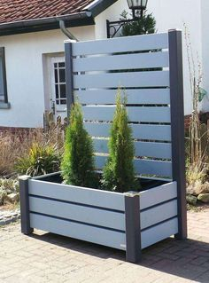 Planter with mobile screen Protective fence Box Planter smooth edge - Garten - Garden Deck Privacy Planter, Garden Privacy, Privacy Screen Outdoor, Backyard Privacy, Backyard Garden Design, Garden Trellis, Backyard Projects, Backyard Patio, Garden Beds