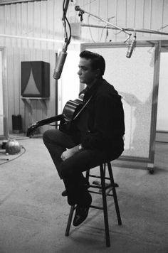 Johnny Cash recording Man In Black in 1971