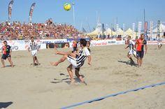 #BeachSoccer: Le #giocate virtuose del #Viareggio davanti ai propri tifosi