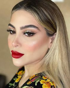 Glam Makeup, Skin Makeup, Makeup Inspo, Beauty Makeup, Stunning Eyes, Beautiful, Beauty Skin, Make Up, Lipstick