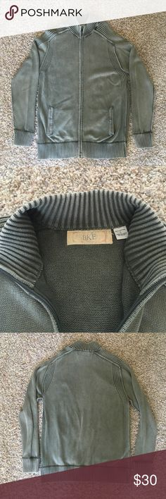 BKE sweater Olive green BKE sweater size large. Like new, no damage, only worn a few times. Comes from a smoke free animal free home. BKE Sweaters Zip Up