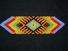 Pulsera en mostacillas Bead Loom Patterns, Peyote Patterns, Beading Patterns, Beading Ideas, Seed Bead Bracelets, Seed Beads, Friendship Bracelets, Native American Beading, Loom Beading