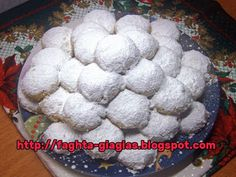 Greek Sweets, Greek Desserts, Greek Recipes, Kourabiedes Recipe, Greek Pastries, Middle Eastern Desserts, Lemon Coconut, Macaron Recipe, Xmas Food