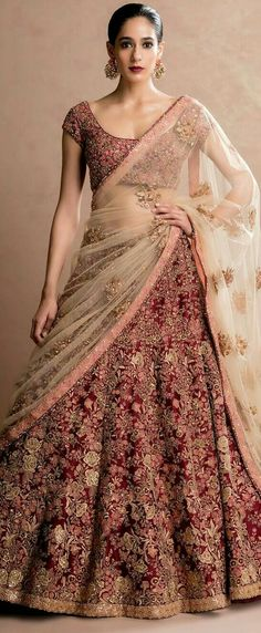 Does anyone knows who is designer of this lehenga? Does anyone knows who is designer of this lehenga Indian Bridal Outfits, Indian Bridal Lehenga, Indian Bridal Wear, Red Lehenga, Indian Dresses, Bridal Dresses, Lehenga Wedding Bridal, Pakistani Bridal, Indian Wedding Dresses
