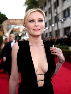 32 Hot Pictures Of Kirsten Dunst- The Mary Jane Watson Actress In The Spider Man Movie Trilogy Kirsten Dunst, Beautiful Celebrities, Beautiful Actresses, Beautiful Women, Keira Knightley, Jessica Alba, Interview With The Vampire, Mary Jane Watson, Man Movies