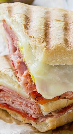 Spicy Italian Panini - www. This Spicy Italian Panini recipe is full of spicy meats and cheese in a warm and crusty pressed sandwich. Panini Sandwiches, Sandwich Bar, Soup And Sandwich, Wrap Sandwiches, Sandwich Recipes, Vegetarian Sandwiches, Chicken Sandwich, Italian Sandwiches, Dinner Sandwiches