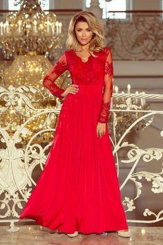 75f6385d62 Czerwona długa suknia z haftowanym dekoltem i długim rękawkiem   długasukienka  suknia  haftowanydekolt  czerwonasukienka