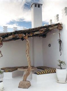 Dar Beida — Castles in the Sand - Boutique luxury holiday villas to rent in Essaouira, Morocco. Interior Flat, Interior Exterior, Interior Design, Outdoor Rooms, Outdoor Gardens, Outdoor Living, Indoor Outdoor, Outdoor Fire, Outdoor Seating