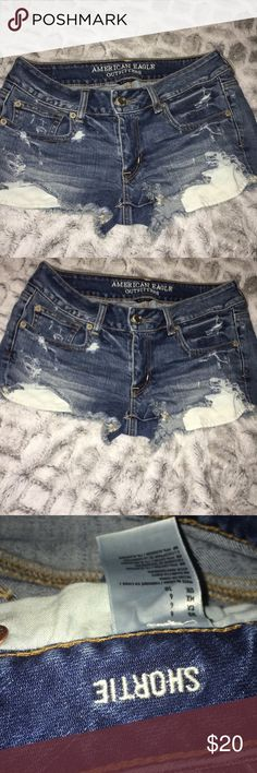 American Eagle Distressed Jean Shorts In excellent condition American Eagle Outfitters Shorts Jean Shorts