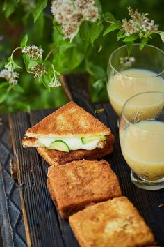 Nincs lehetetlen: brutál jó rántott szendvics | Street Kitchen Brunch, After School Snacks, Hamburger, Salmon Burgers, Hot Dogs, Bacon, Sandwiches, Mozzarella, Food And Drink