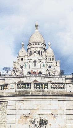 #Montmartre, #Paris. One of the most artsy districts in Paris, past home to Salvador Dali, Monet and Picasso. Explore more of Paris districts, discovering them one by one.
