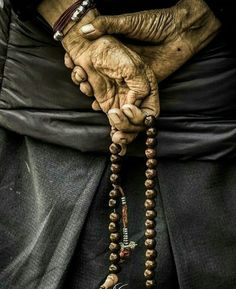 Hands with bloody Mary - movie poster Shiva Tandav, Krishna, Rudra Shiva, Hanuman, Lord Shiva Hd Wallpaper, Lord Vishnu Wallpapers, Manos Tattoo, Shiva Angry, Aghori Shiva