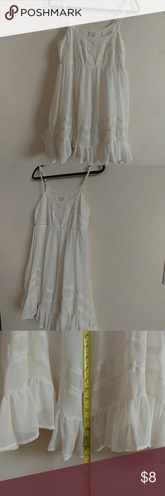 Billabong white dress Adjustable spaghetti straps. Looks adorable on. Is two layers so no need for slip. Billabong Dresses Mini