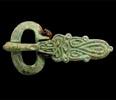 Saxon belt buckle    Byzantinesque belt buckle, Saxon, 7th century AD. Made of copper alloy.    From the excavations at Springhead, Kent.    © High Speed 1 Ltd, photo taken by Wessex Archaeology