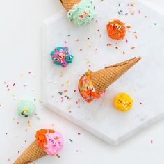 Check our website http://ift.tt/1f5JlBb for some colorful rugsIce cream that won't melt is every blogger and food stylists dream and I right? There's nothing that tears your photographer relationship apart more than racing the melting clock trust me!  I'm teaching you how to make this  plus lots of other styling tricks in our #coolphotoschool and our one day only presale launches this Thursday at noon! #sugarandcloth #countdown by sugarandcloth