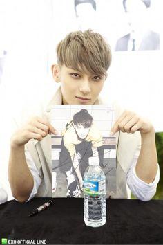 Tao ♡ #EXO - Busan Fansign (130608)