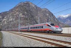 610 001, 012 Trenitalia ETR 610 at Biasca, Switzerland by Georg Trüb Escala Ho, Swiss Railways, Train Service, Train Art, Speed Training, Train Rides, High Speed, Locomotive, Railroad Tracks
