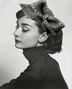 Audrey with a bow ♡