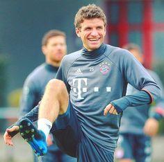 Muller Germany Soccer Team, Thomas Müller, Lewandowski, Always Smile, Hurdles, Sporty, Boys, Mens Tops, Nike Football